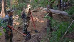 Военни и техника отново участват в гасенето на пожара над Твърдица