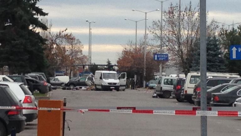 """Чакат единия арменец от буса """"бомба"""" да кацне у нас с полет от Брюксел"""