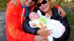 Цецо Елвиса и жена му отмаряха в Индонезия