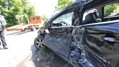 Петима абитуриенти пострадаха в катастрофа в София