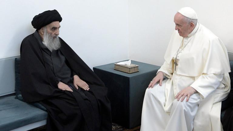 Историческа среща отбеляза визитата на папа Франциск в Ирак. Днес