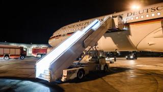 Меркел пропуска откриването на срещата на G20 заради повреда в самолета