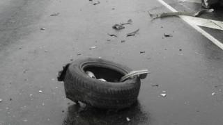 Шевролет се заби в бетоновоз и лек автомобил край Бургас