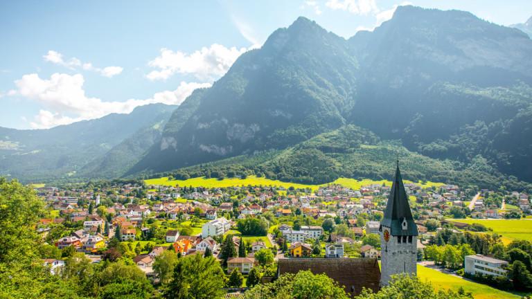 След две преживени световни войни, Лихтенщайнимаше сериозни финансови затруднения през