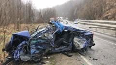 Жена е пострадала при верижна катастрофа при прохода Хаинбоаз