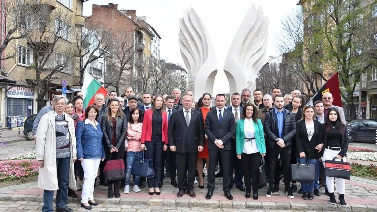 Джамбазки: Политически цинизъм е искането за изучаване на официален турски език у нас!