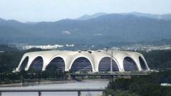 Северна Корея прави автомобили от 15 години. Ето как изглеждат