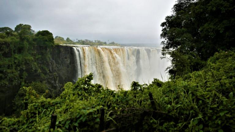 Суша, каква суша, водопадът Виктория триумфално се завърна и отново