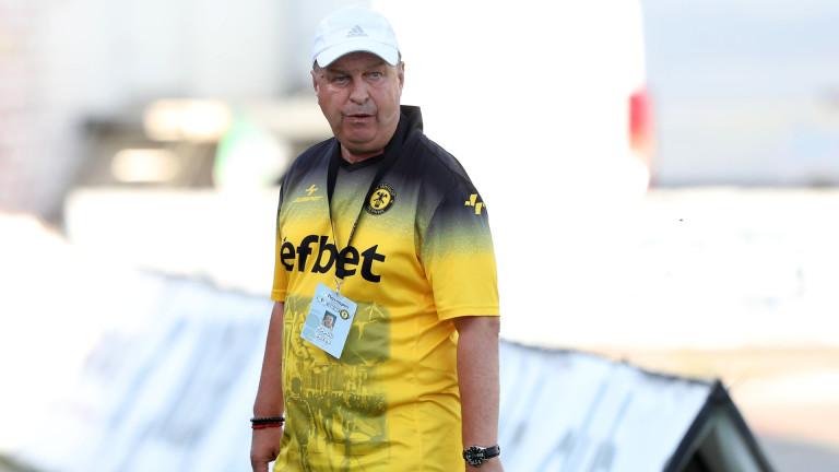 Старши-треньорът на Миньор (Перник) Юри Васев остана доволен от равенството