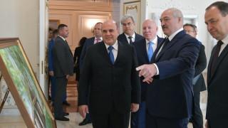 Лукашенко с чистка на началниците на службите в Беларус, сближавал се с Русия
