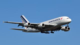 Франция въвежда екотакса за полетите, излитащи от страната