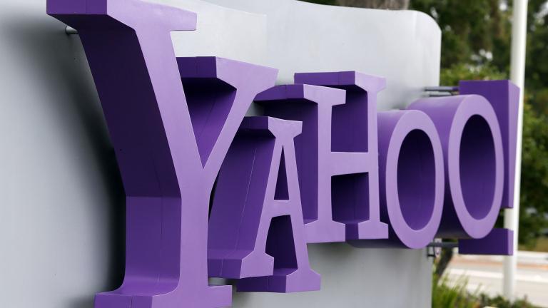Yahoo изненада с по-високи приходи. Но това не промени мнението на Verizon