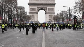 €10 млрд. са загубите за Франция от протеста на жълтите жилетки