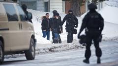 Единият от стрелците в Квебек се обадил на полицията, за да се предаде