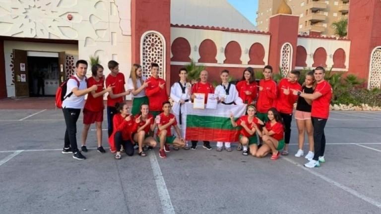 Блестящото представяне на българските таекуондисти продължава и на започналото днес