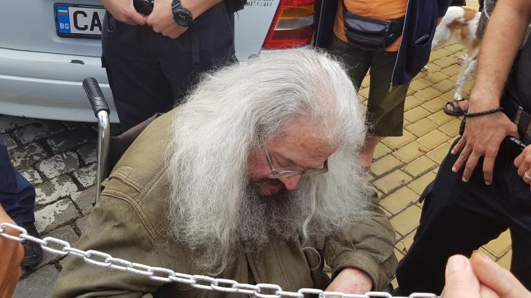 27-и ден от гладната стачка на Босия – отново излиза на протест