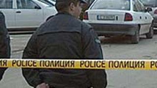 Полицаи гонят крадци на проводник със стрелба