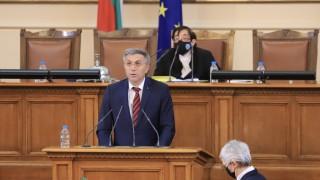 Мустафа Карадайъ слуша предизборни кампании, преди и сега