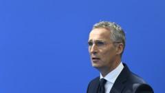 Столтенберг не отговори на въпрос дали Тръмп подкопава НАТО