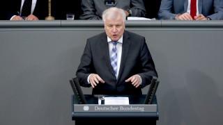 Германският парламент улесни депортацията на мигранти