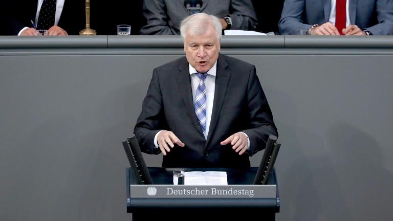 Парламентът на Германия одобри нови правила, които улесняват депортацията на