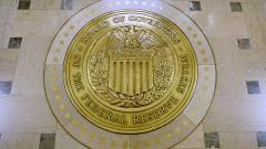 Доларът е под натиск в очакване решенията на Фед