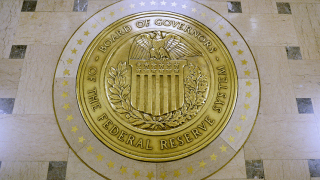 Доларът е под натиск. Фед няма да вдига лихвите през 2019-а