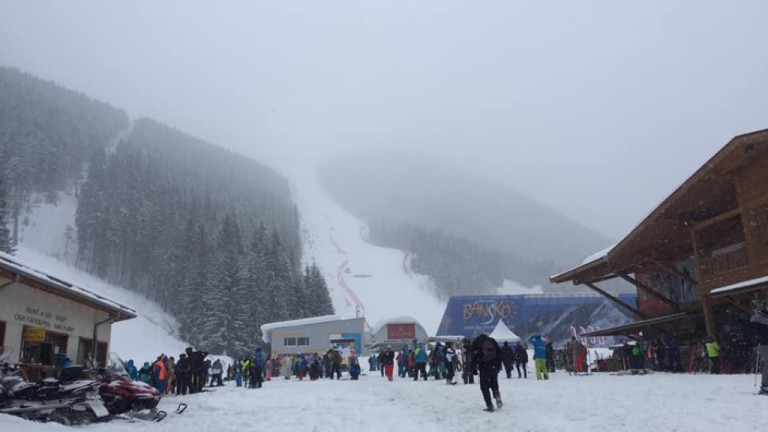 Обилният снеговалеж в цялата страна оказа негативно влияние и на