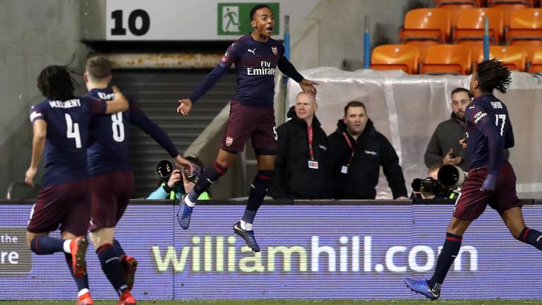 Арсенал продължава напред за ФА Къп.