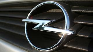 Opel сменят емблемата си