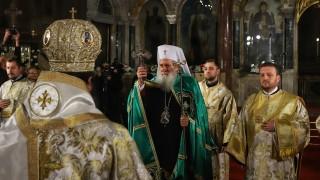 Патриарх Неофит: В тази свята нощ най-силно чувстваме нашата човешка близост