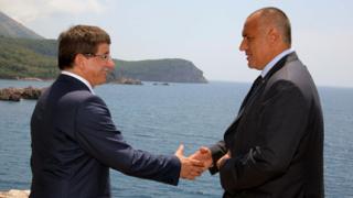 Обещахме на Сърбия подкрепа за ЕС, на Турция – джамии