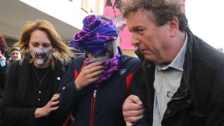 В Кипър осъдиха британка, излъгала за групово изнасилване
