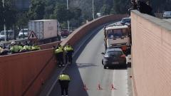 Испанската полиция стреля по камион с газови бутилки