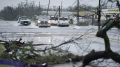"Две жертви на урагана ""Харви"" в Тексас"